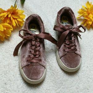 Steve Madden Pink Velvet Sneakers